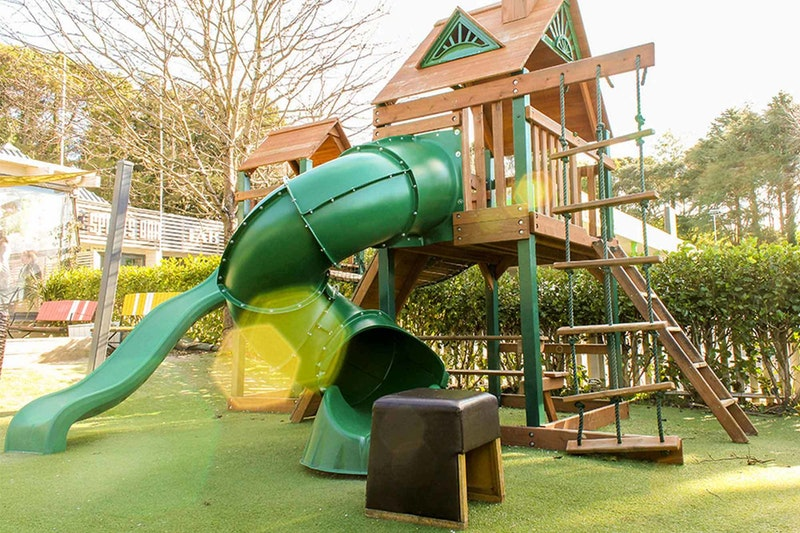 P Ostmans Leg playground Web Landscape